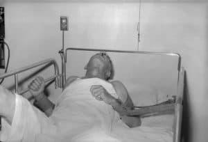Пациент с симптомами бешенства