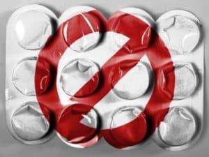 Не рекомендуется пить обезболивающие таблетки