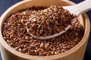 Ложка с семенами льна