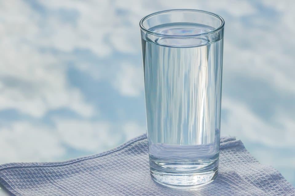 Очищение организма водой: схема приема воды, польза чистки ...