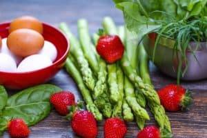 Яйца, овощи, фрукты для очистки желчного пузыря и протоков