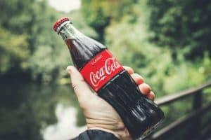 Кока-кола в бутылке 330 мл